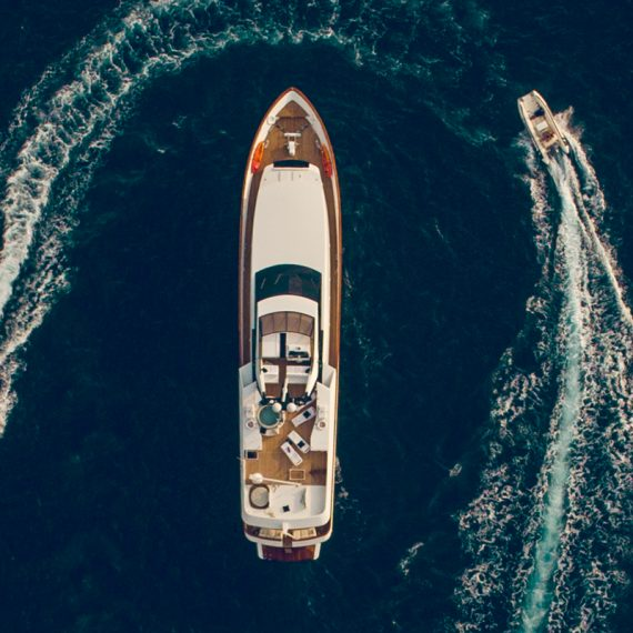 Motor-yacht-sailing-brand-video-promo-corporate-lifestyle-models