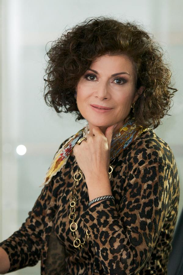 Portrait-corporate-etairiko-portreto-photography-elfi-company-etairia